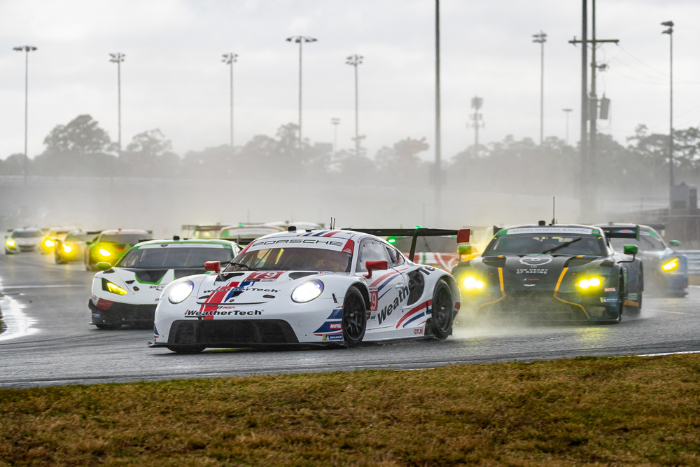 PORSCHE CUSTOMER TEAMS ACHIEVE PODIUM RESULTS IN BOTH GT CLASSES AT DAYTONA